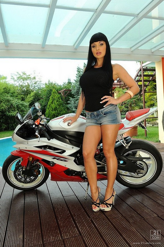 Aletta Ocean - Ride Her Like a Bike (2021 DPFanatics.com 21Sextury.com) [FullHD   1080p  1.61 Gb]