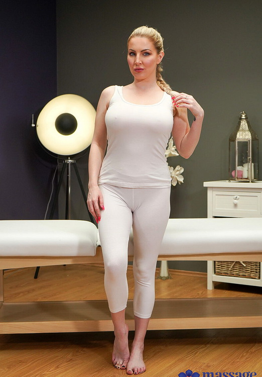MassageRooms/SexyHub - Georgie Lyall - Big tits British blonde creampie [FullHD 1080p]