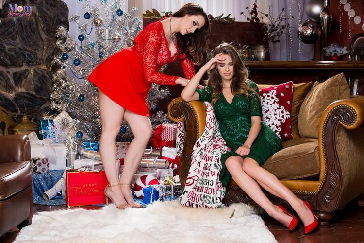 MomKnowsBest/Twistys - Chanel Preston, Jillian Janson - Tight XXXmas [FullHD 1080p]
