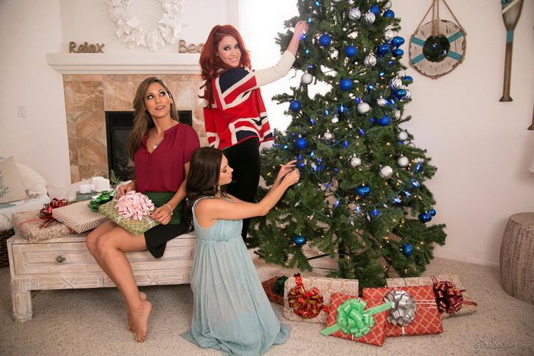 GirlsWay - Elle Alexandra, Shyla Jennings, Reena Sky - Christmas Spirit: Part Three [FullHD 1080p]