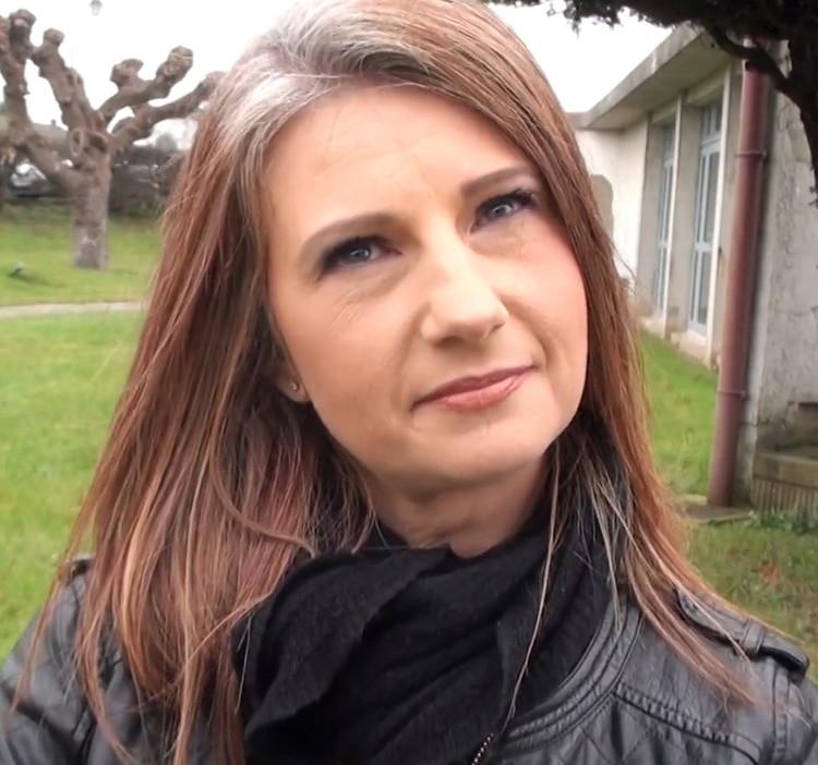 Christina, 38ans - Timide mais coquine ! (JacquieEtMichelTV/FullHD) - Flashbit